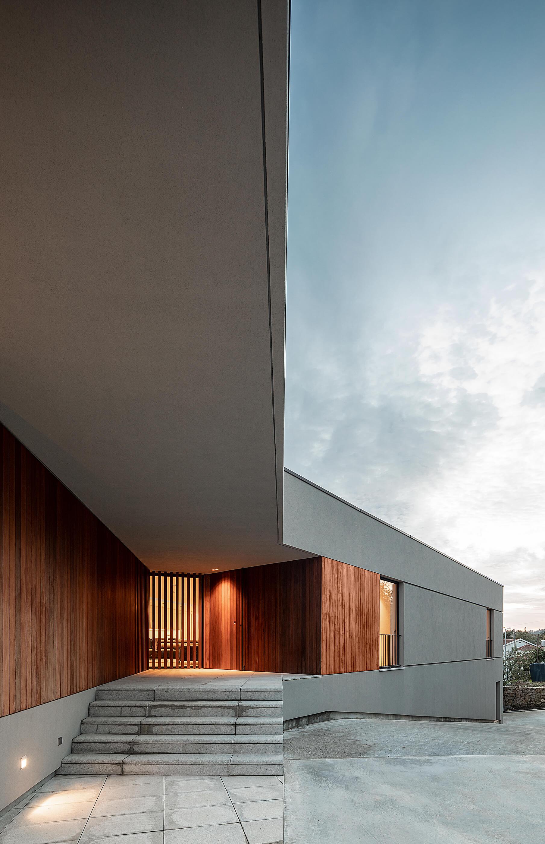"""Projectos Portugueses nos Prémios """"Building of the Year"""" do portal Archdaily do atelier Ivo Tavares e fotografia arquitetura de ivo tavares studio"""