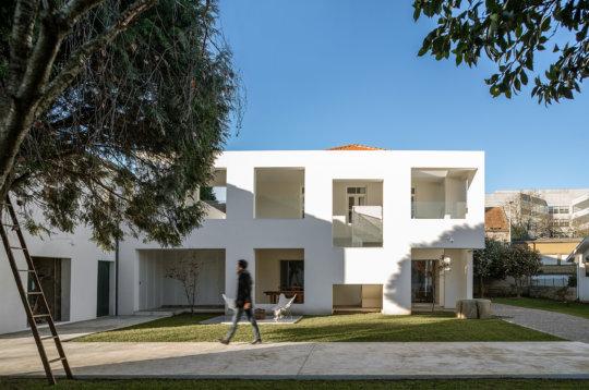 Reportagem Fotografia De Arquitectura Portuguesa Fotografo Ivo Tavares Studio Casa Maia De Adoff.