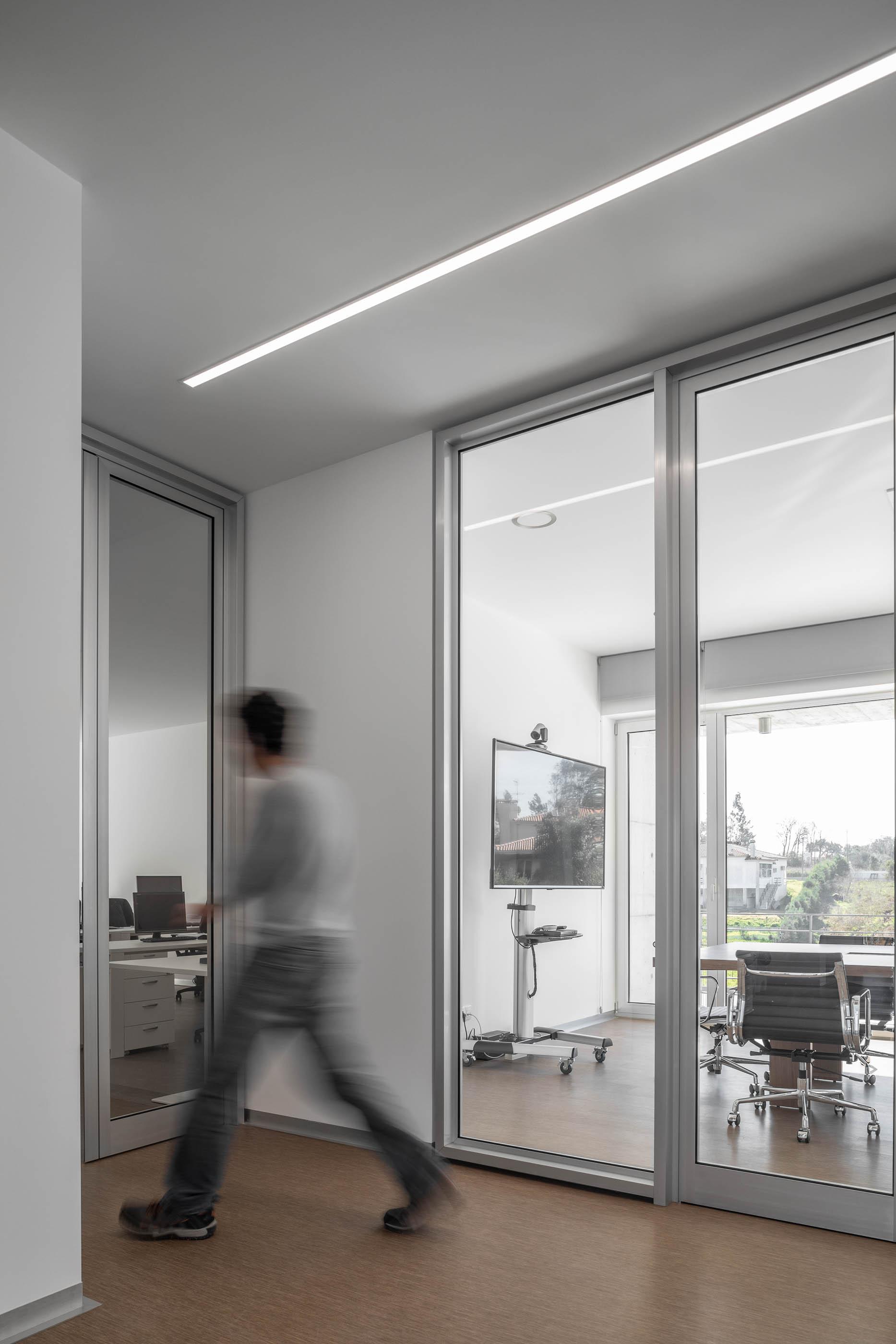Edificio Industrial Prf Do Atelier Impare Arquitectura Com Fotog do fotografo Ivo Tavares Studio