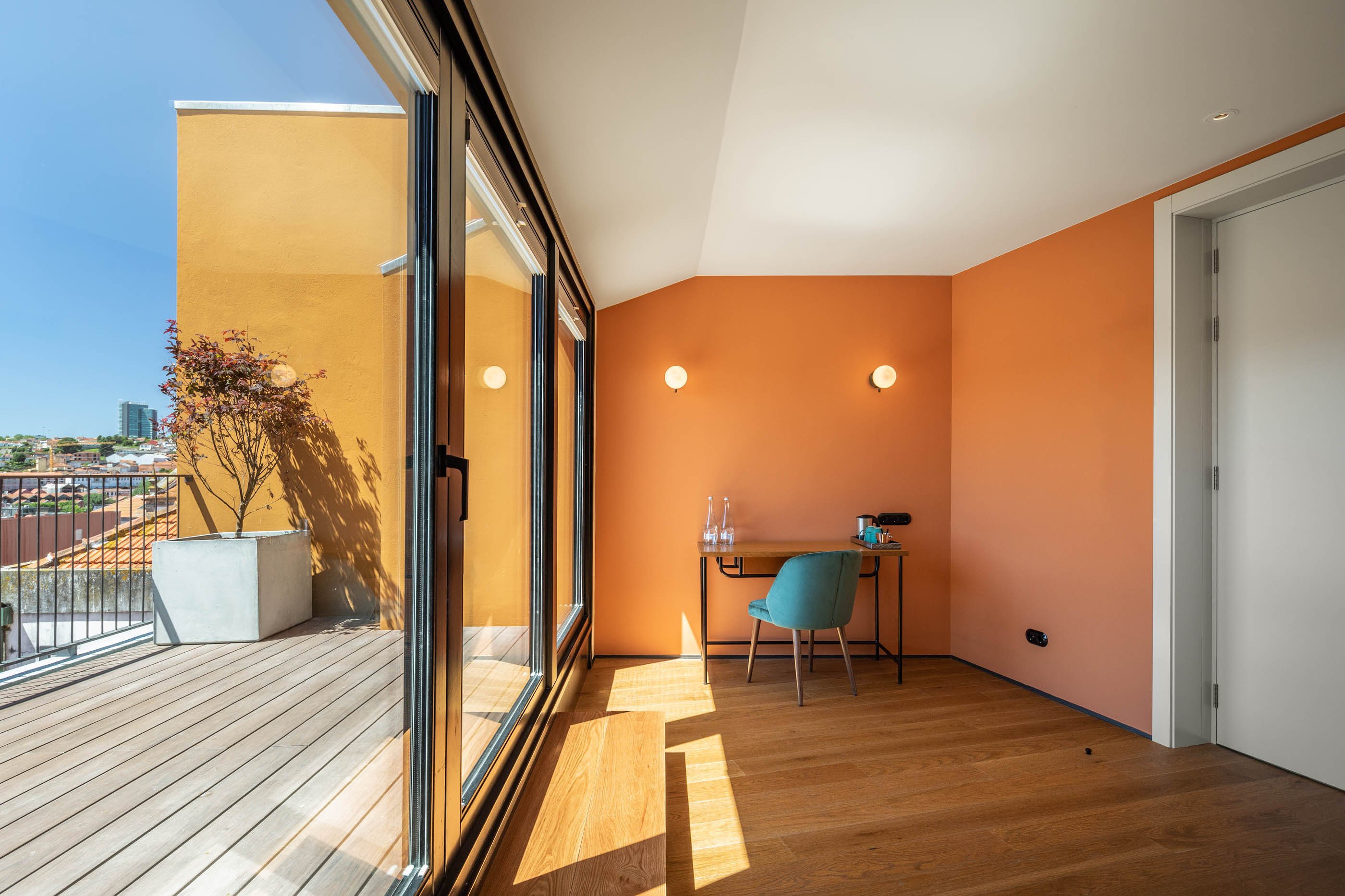 Exmo. Hotel No Porto Do Atelier De Arquitectura Floret do fotografo Ivo Tavares Studio
