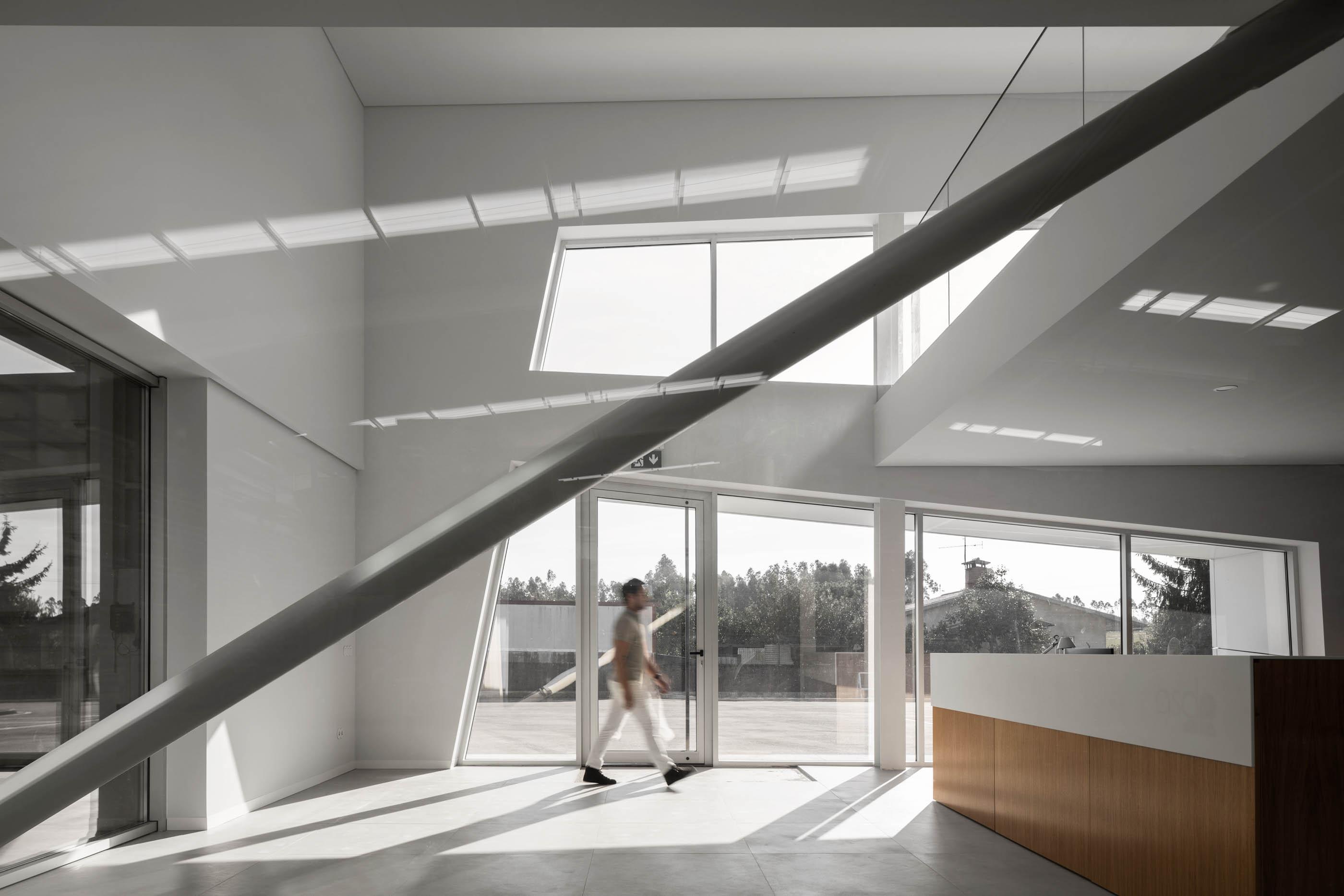Planstone Pavilhão Industrial Em Águeda Do Atelier De Arquitet do fotografo Ivo Tavares Studio