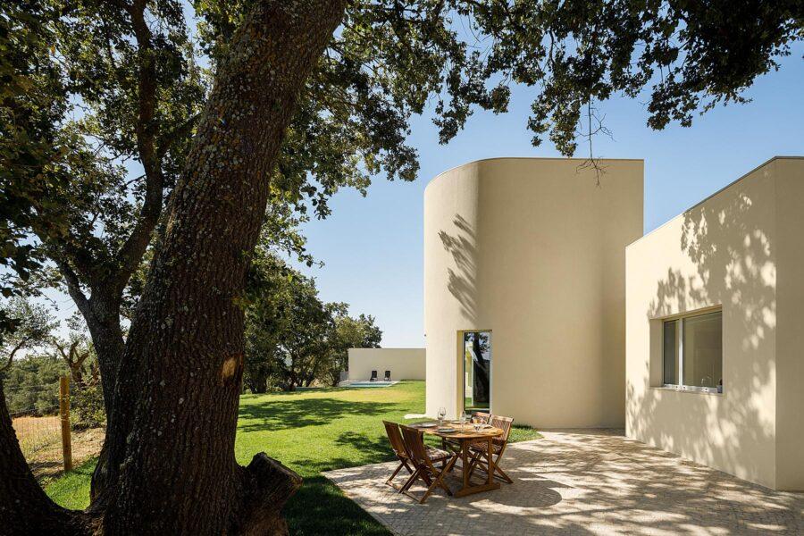 Casa em Santarém do atelier dp arquitecto e fotografia de Arquitectura Ivo Tavares Studio