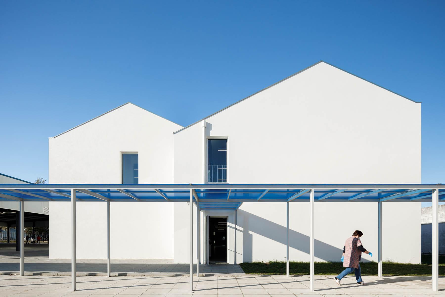Escola Basica de São Bernardo em Aveiro do atelier de arquitect