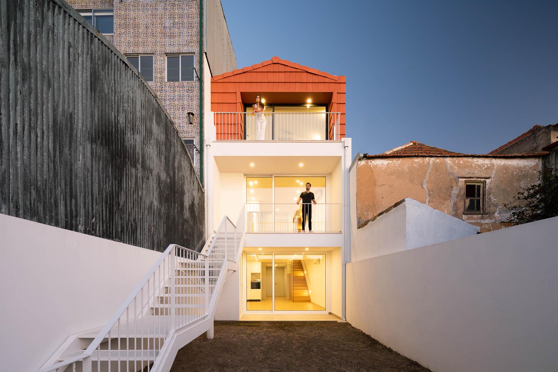 Predio habitacional na Rua Bartolomeu em Aveiro do atelier de ar