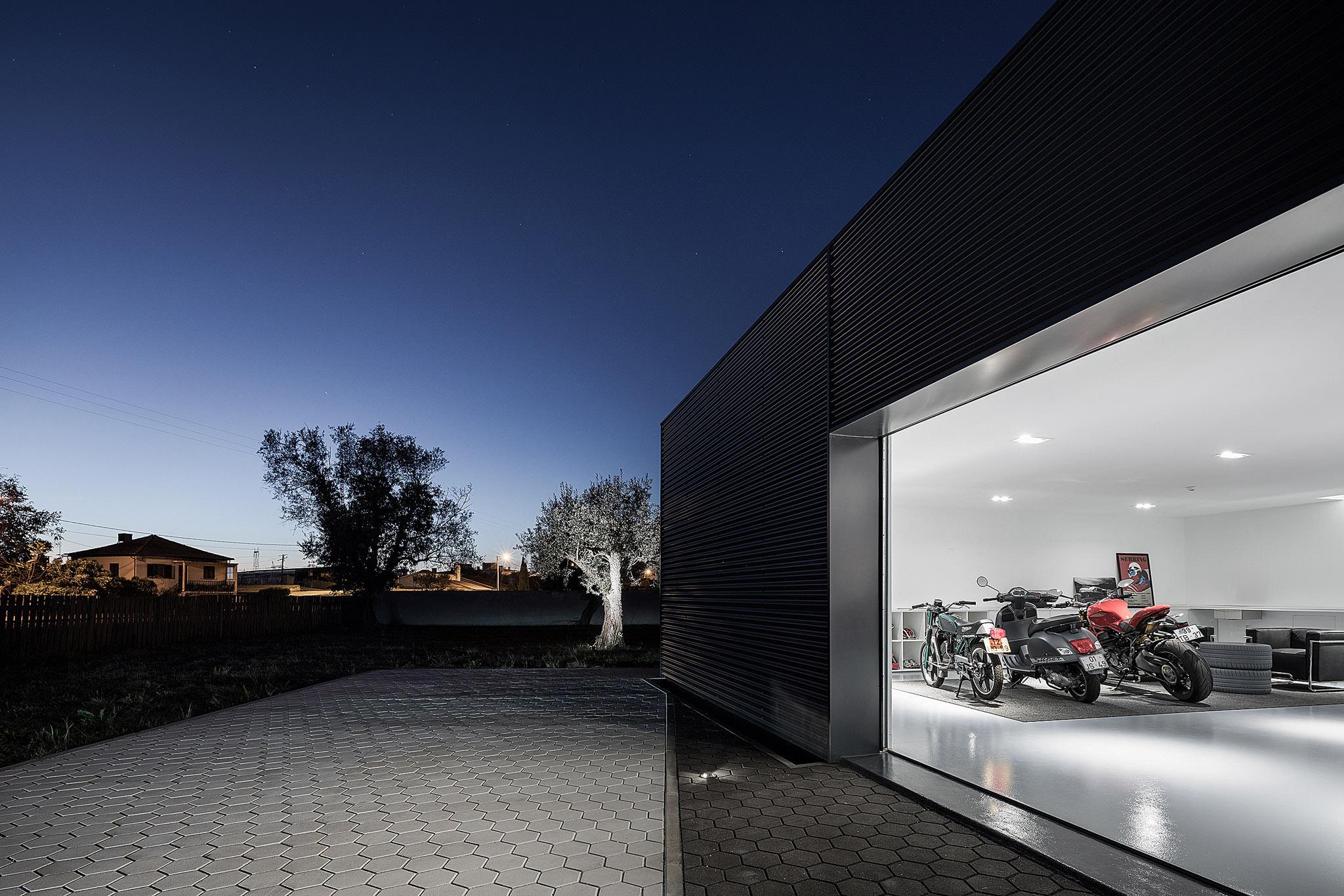 Reportagem Fotografia De Arquitectura Portuguesa Fotografo Ivo Tavares Studio Garagem De Paulo Martins.